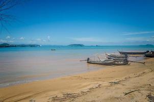 praia do mar de phuket foto