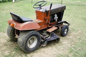 cortador de grama velho