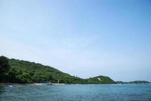 praia koh larn na tailândia foto