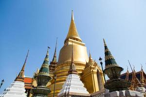 templo wat phra kaew em bangkok foto