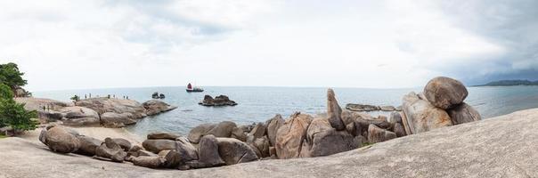 praia de rocha avô em koh samui foto