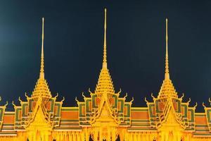 castelo esculpido em cera na tailândia