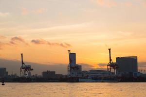 porto em odaiba ao pôr do sol