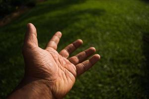 mão estendida