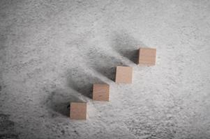 blocos de madeira, usados para jogos de dominó