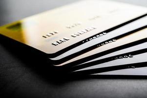 cartões de crédito empilhados