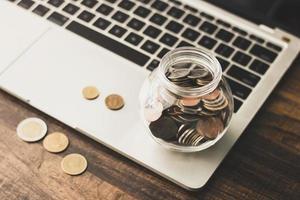 jarra com moedas