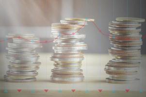 moedas com sobreposição de gráfico foto