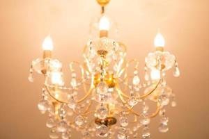 close-up em lustre contemporâneo de cristal foto