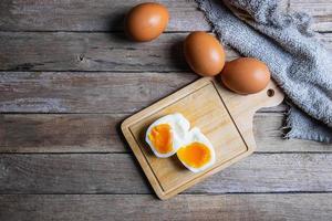 vista superior de ovos cozidos