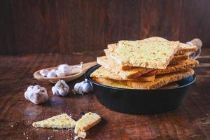 pão de alho crocante foto