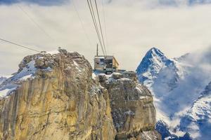 birg station nos alpes suíços em murren foto