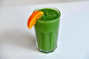 smoothie verde saudável foto