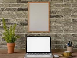 mock up laptop e moldura na mesa foto