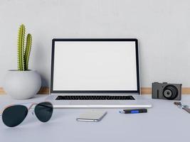 mock up laptop em cima da mesa com câmera