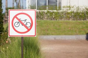 placa de ciclismo no parque