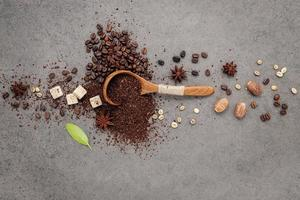 café moído e especiarias