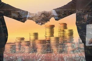 conceito de finanças de negócios de capital e investimento foto
