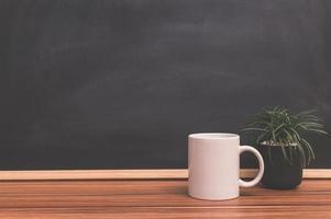 caneca de café na mesa