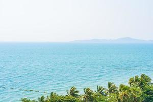 lindo oceano tropical foto