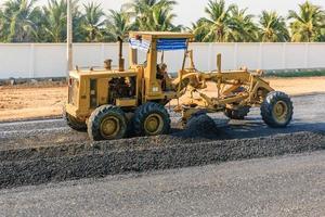 máquina industrial niveladora para construção de estradas foto
