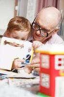 avô e seu neto