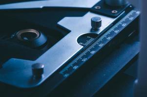 close-up de marcas de medição no microscópio