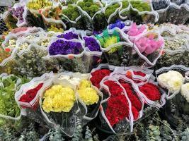 close up de flores à venda