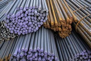 barras de ferro de construção em tamanhos diferentes