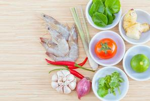 ingredientes da sopa tom yum