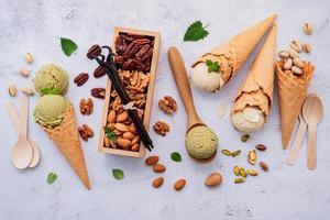 nozes e sorvete foto