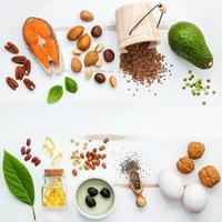 ingredientes frescos em um fundo branco surrado foto