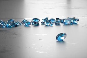 diamantes azuis brilhantes foto