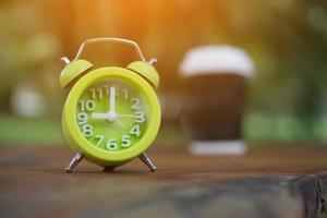café da manhã e conceito de despertador