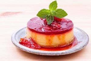 close-up de cheesecake de morango foto