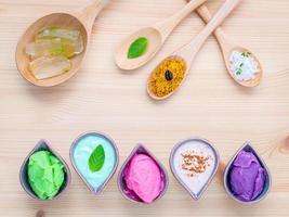 cuidados da pele orgânicos coloridos