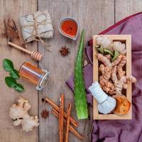 medicina natural em uma mesa