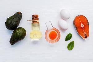 vista superior de alimentos saudáveis com gordura insaturada