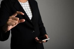 gesto com a mão de mulher de negócios com espaço de cópia