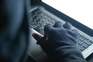 conceito de hacker ou ladrão de dados foto