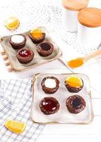 bolos pequenos variados foto