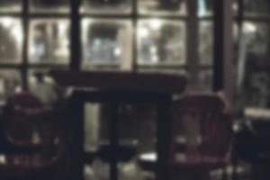 fundo escuro desfocado do restaurante foto