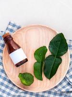 óleo de aromaterapia de limão kaffir fresco