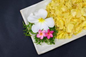 durian frito com flores