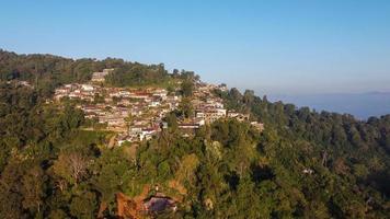 vista aérea da vila de phahee, chiang rai, tailândia