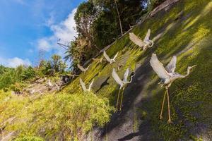 estátuas de flamingo japonesas em cavernas de Chin Swee Temple Genting Highlands, Malásia foto