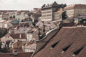 vista do telhado sobre praga foto