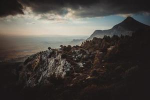 outono no topo de uma montanha foto