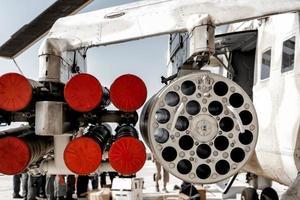 possível configuração de armamento em helicóptero de combate foto