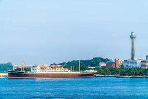 grande navio na cidade de Yokohama, Japão